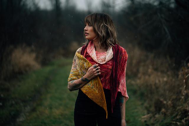 modèle de châle tricoté Find Your Fade par Andrea Mowry