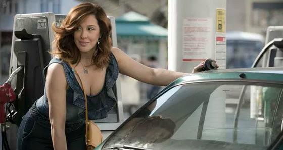 Claudia-Raia-será-mulher-batalhadora-e-dona-de-posto-de-gasolina-em-A-Lei-do-Amor