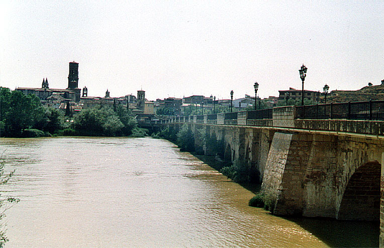 File:Puente tudela224.jpg