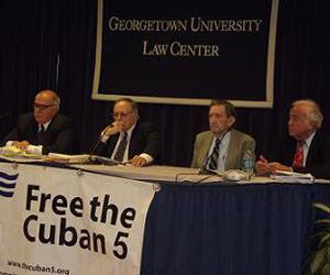 Panel de juristas en Georgetown University