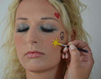 Hippie Makeup Frisur Tutorial 60er Flower Power Retrochicks