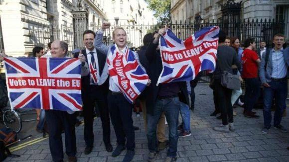 Reino Unido aprueba irse de la Unión Europea. Foto: Reuters.
