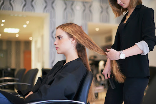 Split Ends, Tangles, and More: How to Know When to Get a Haircut | Allure