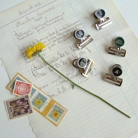 5 bulldog clips with magnets