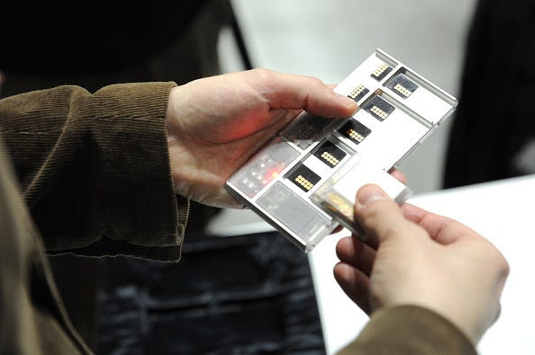 Google Project Ara would let you snap components onto your phone like Legos.