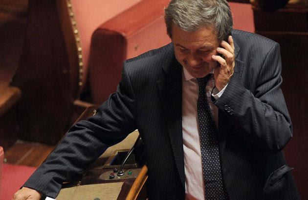 Il senatore Azzollini, un presunto truffatore salvato dalle sconce intese
