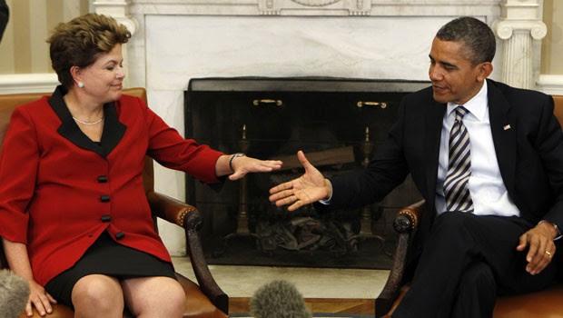 A presidente Dilma Rousseff com o presidente dos EUA, Barack Obama, no Salão Oval da Casa Branca (Foto: Kevin Lamarque / Reuters)