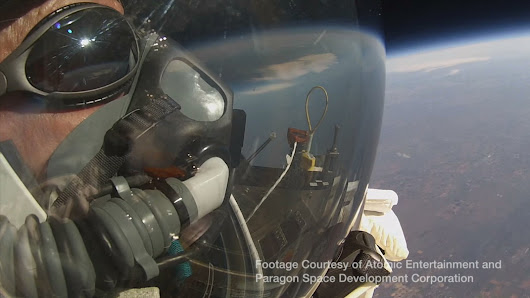 Alan Eustace Jumps From Stratosphere, Breaking Felix Baumgartner's World Record