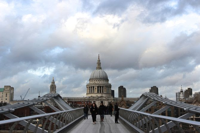 photo 5-Millenium bridge london londres cathedrale saint paul_zpskdylwjbo.jpg