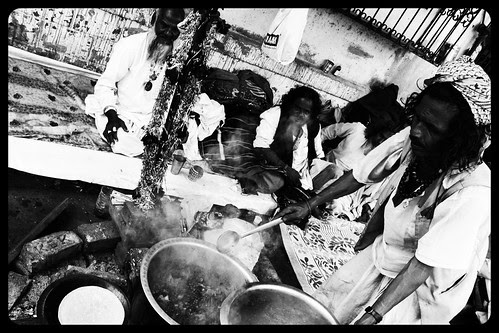 The Dhuni Mahim Dargah by firoze shakir photographerno1