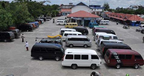 ratusan angkutan umum  aceh barat mogok