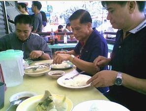 Compare the fork of Mr. Art (middle) to the serving...its really generous; guaranteed to give a fulfilling lunch.