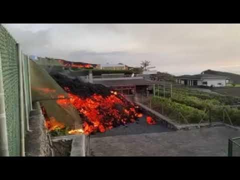 Ver Vídeo: Volcán Cumbre Vieja en la isla de La Palma destruye cientos de viviendas