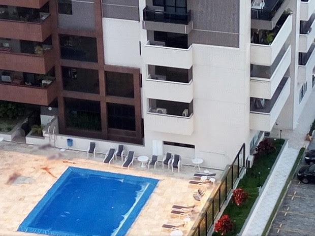Corpos caíram do 18º andar do Edifício Lagoa Azul, que fica no Condomínio Pedra de Itaúna, na Barra da Tijuca (Foto: Reprodução / Google Earth)