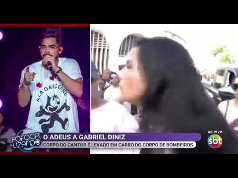 """Repórter do SBT é assaltada ao vivo em velório de Gabriel Diniz: """"falta de sensibilidade"""""""
