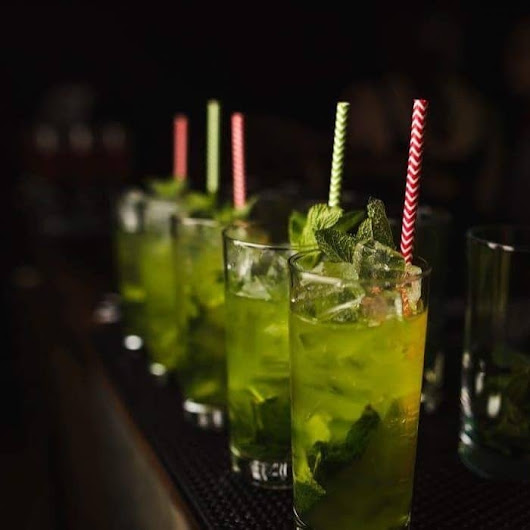 What is a Mixologist? - mambo