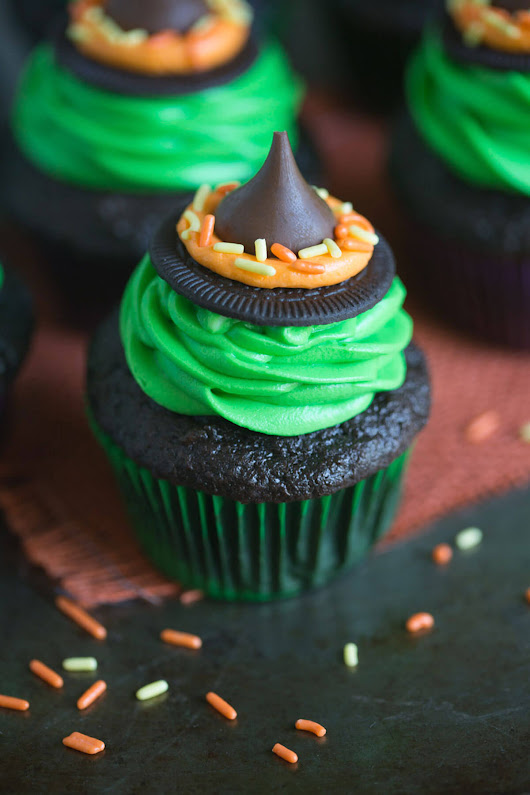 Witch Hat Cupcakes - Cupcake Daily Blog - Best Cupcake Recipes .. one happy bite at a time!