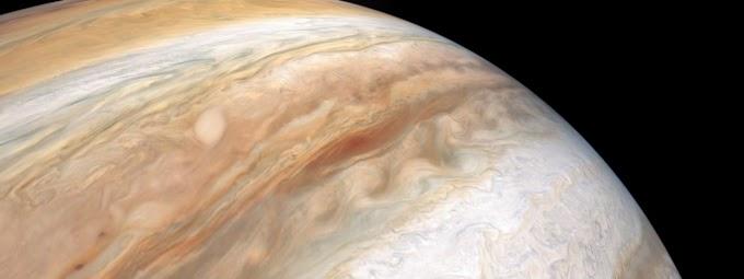 Pegue uma carona e sinta-se a bordo: Vídeo da NASA mostra sonda Juno sobrevoando Júpiter