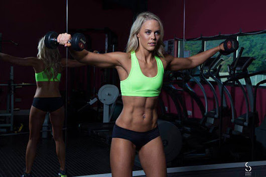 Ripped fitness model shares secrets behind 12-week transformation: 'I love how I look'