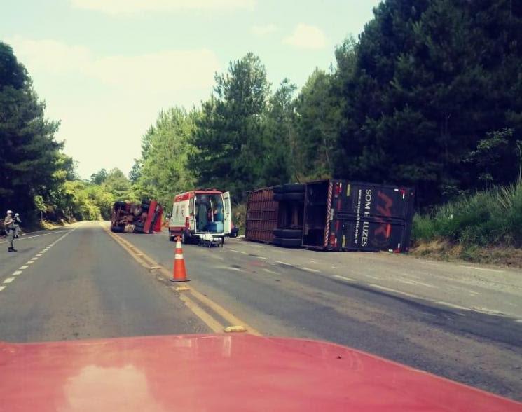 Acidente ocorreu na BR 287, Km 355, próximo ao trevo de Jaguari. Fotos e Video: Grupo deWhatsApp