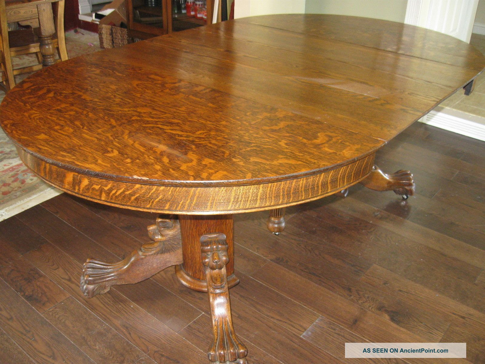Tiger Oak Pedestal Dining Table