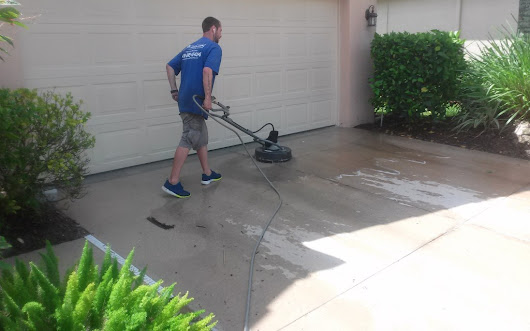 Power Washing, Pressure Cleaning, and Roof Cleaning Services 941-815-8454