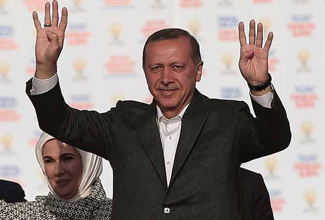 Ελληνοκύπριος προς Ερντογάν: Σώσε με… από την κυβέρνηση!