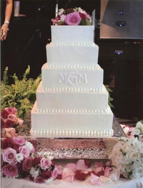 elegant square wedding cake picture