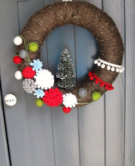 Cozy Christmas Wreath Red and White Wreath Christmas Decoration Holid