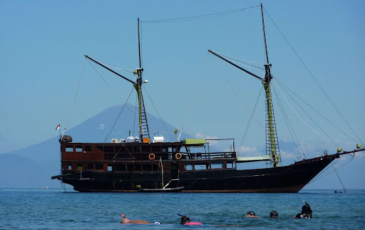 Indonesia Cruise Tours, Indonesian Sailing Adventure