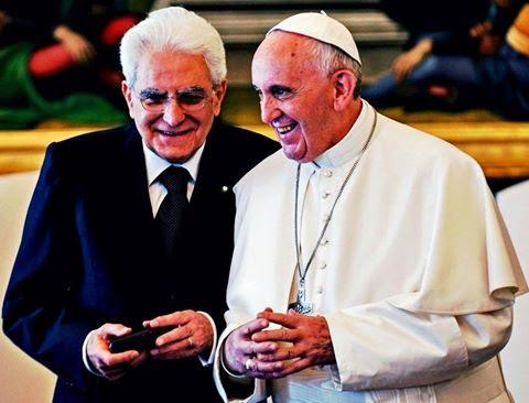 Mattarella papa, Bergoglio presidente