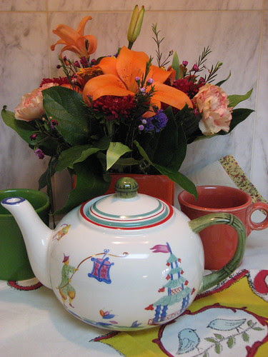 Teapot, Cups Flowers