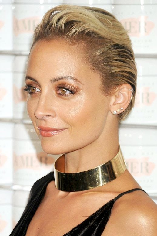 Le Fashion Blog Nicole Richie Bronzed Metallic Eyeshadow Ear Cuff Peach Lipgloss Gold Choker Via Harpers Bazaar