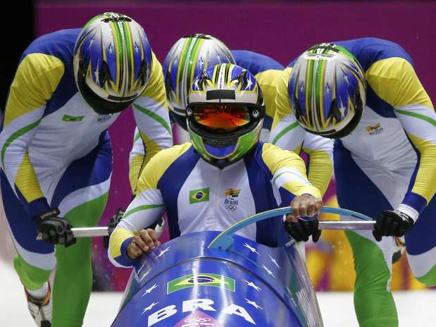 Equipe brasileira ficou com o 29º lugar entre 30 times no masculino Foto: Reuters