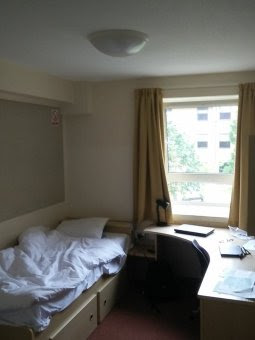 [ York Hall of Residence Room ]