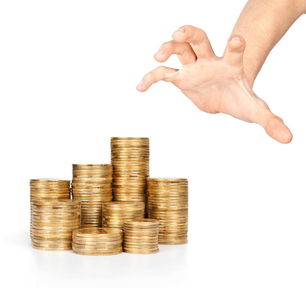 tumbles despite uk mint seeing europeans rush to buy bullion