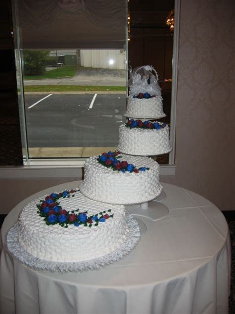 Spiral Wedding Cakes « Taylor's Bakery