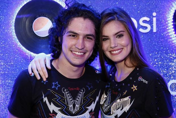 Camila Queiroz e Gabriel Leone  (Foto: Marcos Serra Lima / Ego)