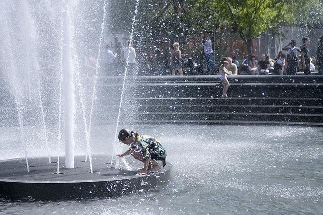 Fountain, Washington Square Park