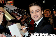Updated: Daniel Radcliffe attends The Woman in Black World premiere in London