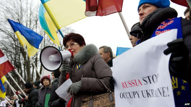 Demonstration against Russia's actions in Ukraine outside the Russian embassy in the Latvian capital Riga (2 March)