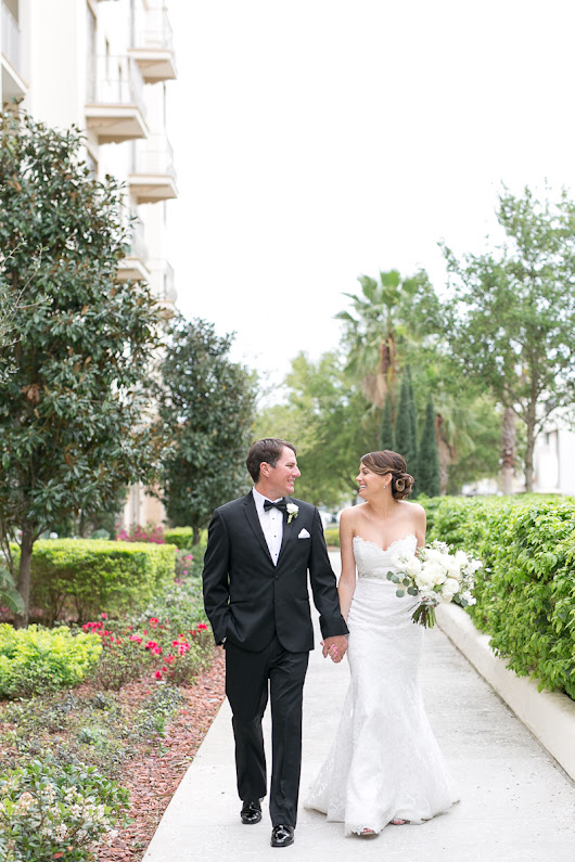 MariJo and Niles sweet southern Alfond Inn wedding