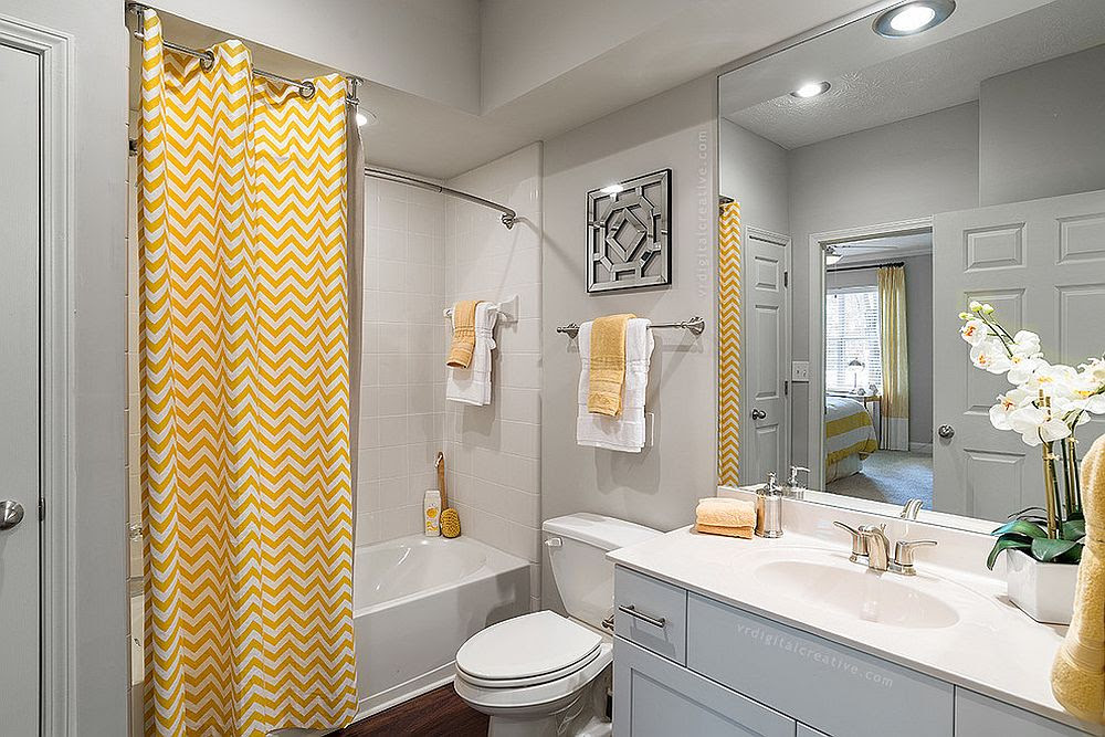 Trendy and Refreshing: Gray and Yellow Bathrooms That Delight