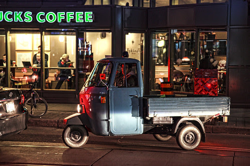 Piaggio Ape on King Street by Ben Roffelsen