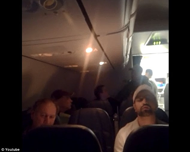 E.E.R: DELTA AIR: Drunk Woman Asking Passengers For Sex