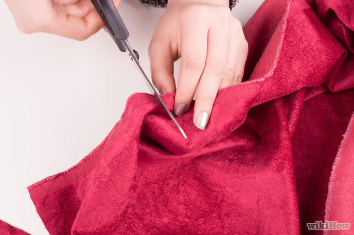 Make a No Sew Blanket Step 4.jpg