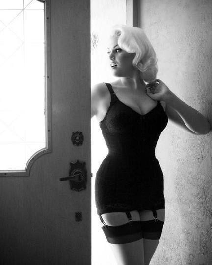 Красивые и сексуальные девушки (30 фото)