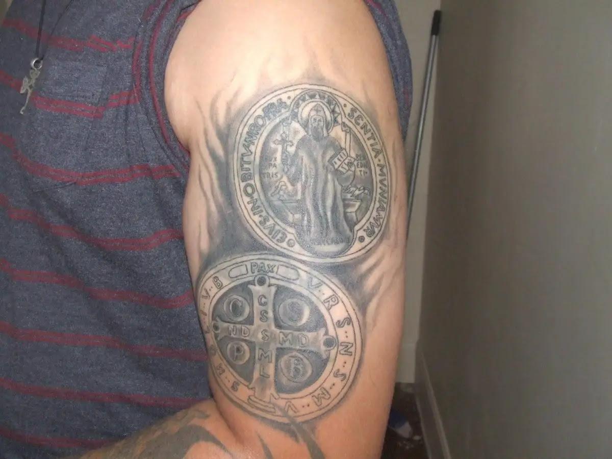 Tatuajes De La Cruz De San Benito Todo Lo Que Desconoce