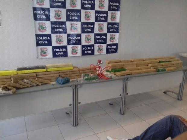 Durante a operação foram apreendidos 103 quilos de maconha, em três bairros de Fortaleza (Foto: Leandro Silva/TV Verdes Mares)