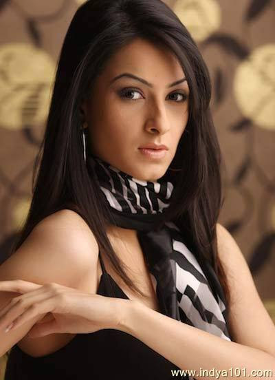 Tahira Kochhar Indian Actress and Former Model very hot and sexy stills